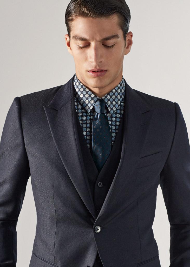Τα Tuxedos της συλλογής είναι συνώνυμα της εκλεπτυσμένης κομψότητας και της  πολυτέλειας 4fd26c7fbb8