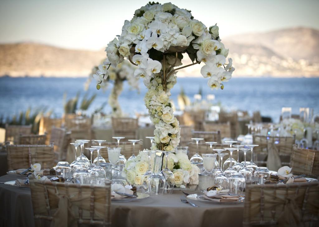 Elegant wedding decoration by FYE