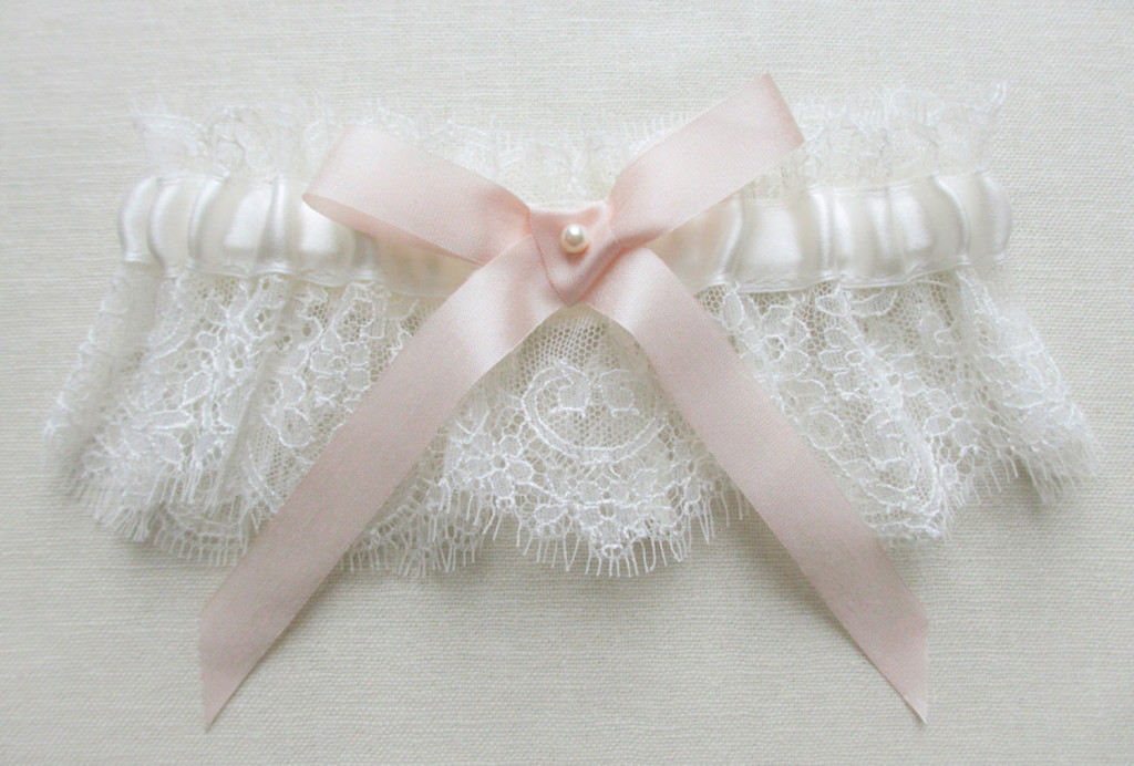 Garter by Florie Mitton