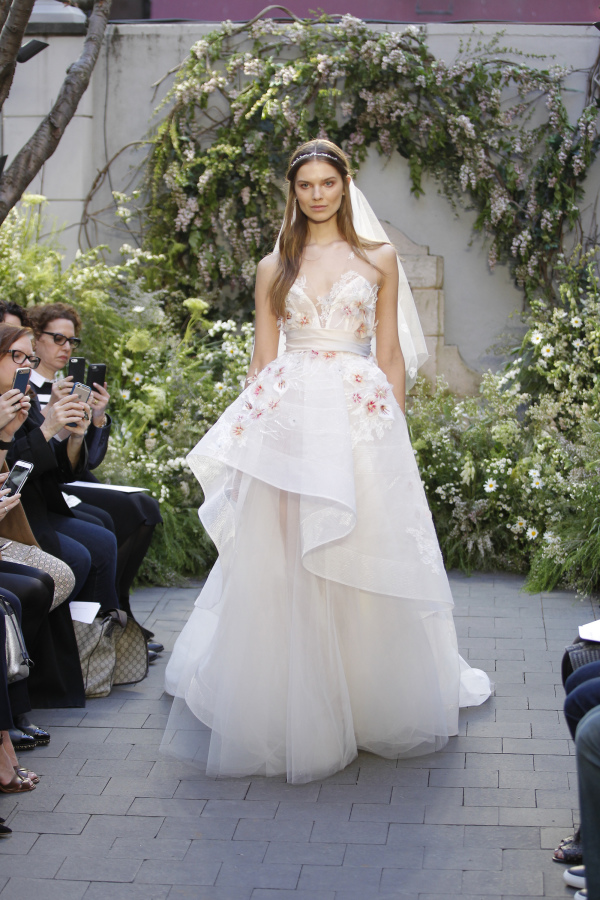 wedding-dress-trends-spring-2017-7
