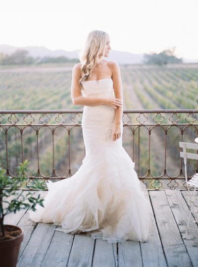 wedding-dress-venue-12