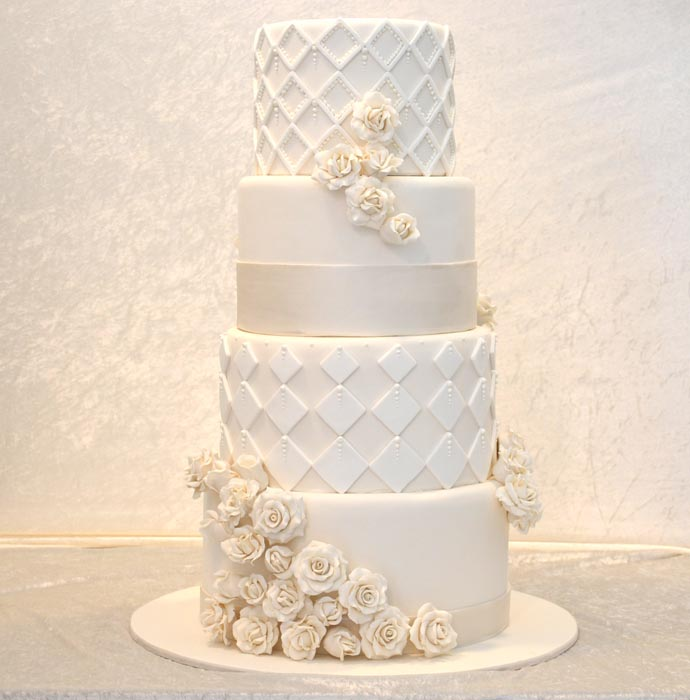 yes-i-do-the-sweet-spot-17-white-roses-and-geometric-wedding-cake