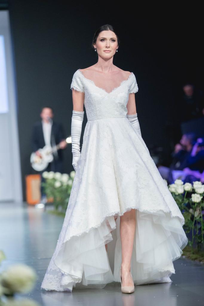 Όλγα Κυπριώτη: A pure elegance Bride.