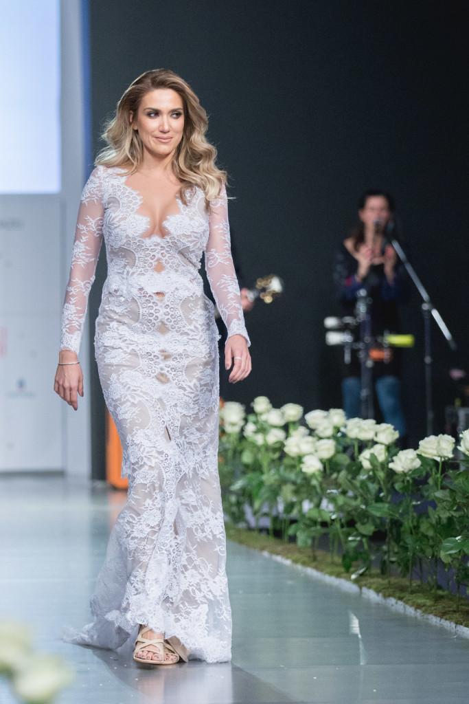 Η Έλενα Παπαβασιλείου, ήταν ο ορισμός της total bride!