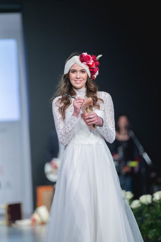 Η Βίβιαν Ρουβέλλα, προσπάθησε να μην ξεχάσει να καταγράψει καμία φίλη της στο bridal shoe της.