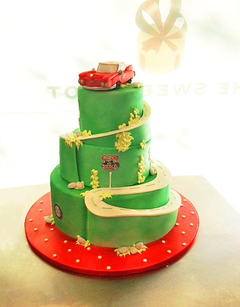 ROUTE 66 WEDDING CAKE