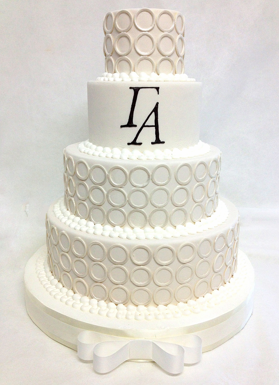 Photo 3 MODERN RINGS AND MONOGRAM WEDDING CAKE