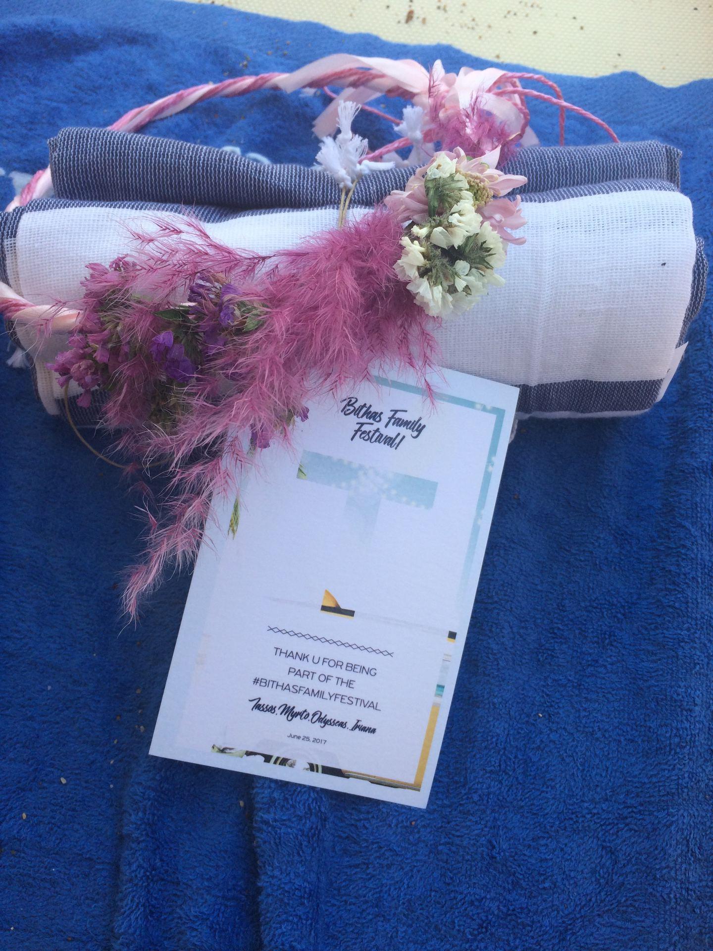 Παρεό που μας μοίρασε το ζευγάρι την επόμενη μέρα του γάμου στην παραλία Καΐκι για τις after wedding βουτιές!
