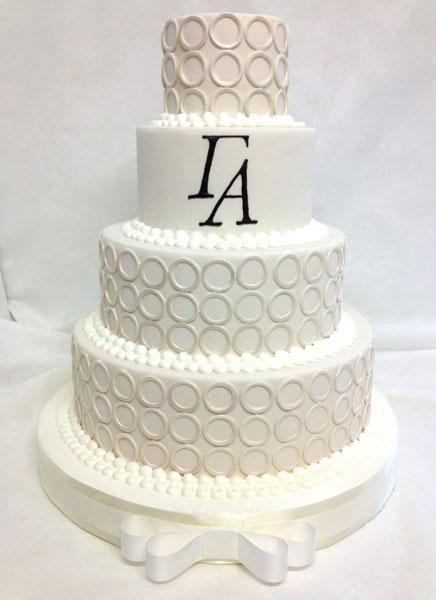 modern-rings-wedding-cake