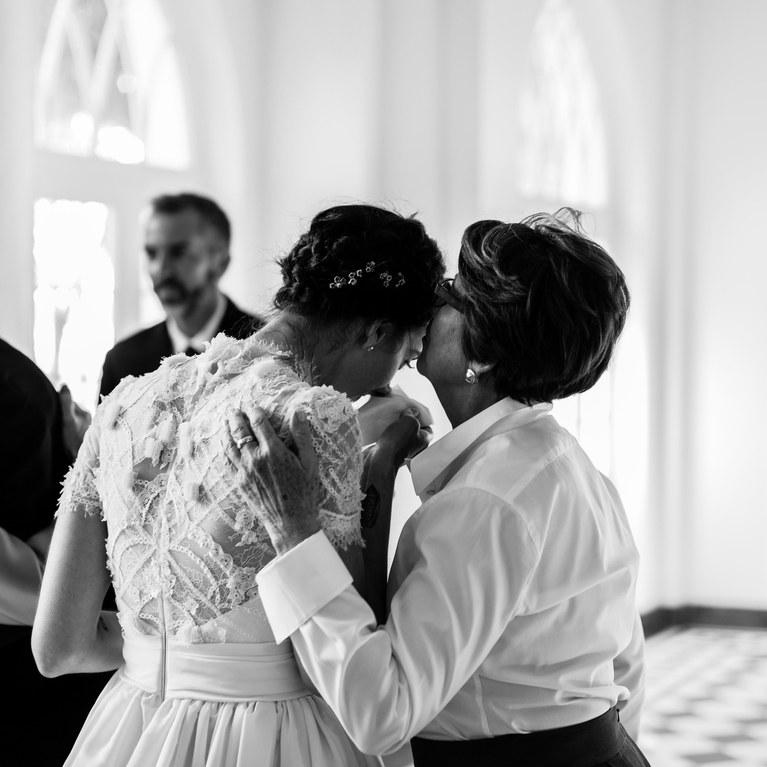 Μαμά νύφης  Όλα όσα πρέπει και όσα δεν πρέπει να κάνετε την ημέρα ... 767e0f31d60