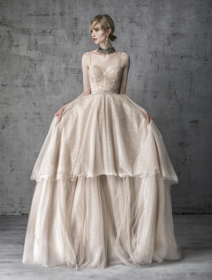 44cadec8a61d Bridal Spring 2019  Τα νυφικά για την φετινή άνοιξη είναι μοναδικά ...