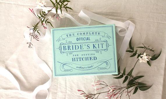 cb17a9018cc9 Είστε κουμπάρα  Έχετε ετοιμάσει το bridal emergency kit για τη φίλη σας    EveryDay  PomPon