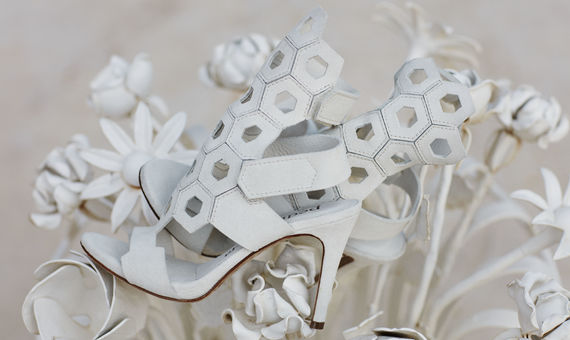 95ec41ea349 8 Μοναδικά Bridal Shoes από την νέα καλοκαιρινή, δροσερή και λαμπερή  συλλογή του Pedro Garcia!