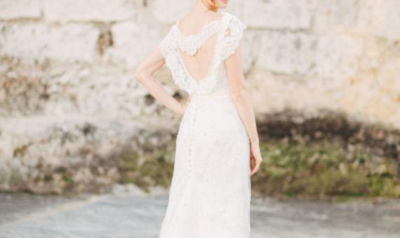 62985afd1917 wedding-dress-venue-11.jpg